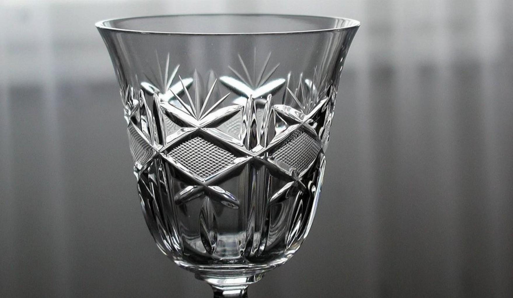 Geschliffenes Römerglas